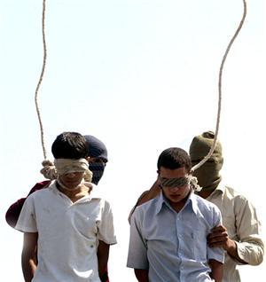 gay impiccati in Iran