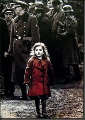bambina col vestito rosso