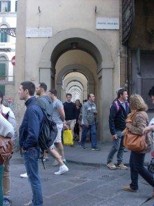 a sinistra di Ponte Vecchio