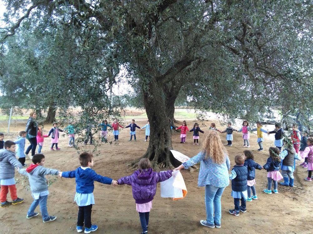 I bimbi manifestano contro le eradicazioni a Cellino San Marco-2